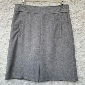 Gently Used Banana Republic Gray skirt Sz2